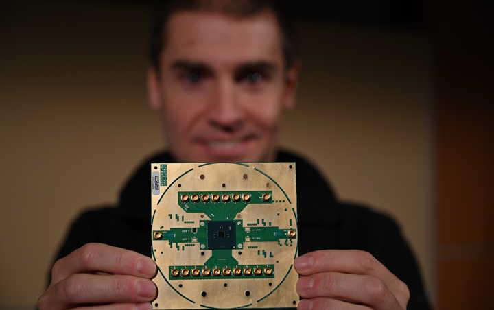 [量子]英特尔公布量子计较控制芯片 未来技术商用化又近一步