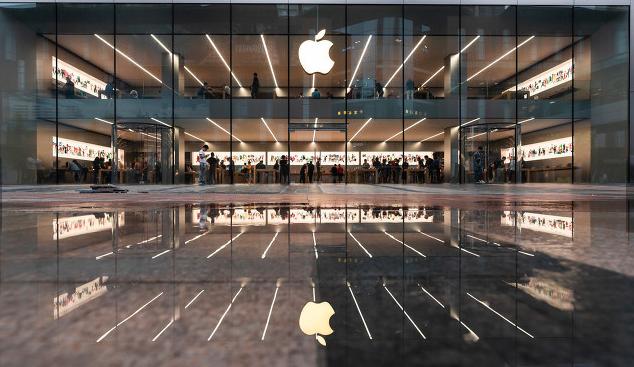 现场直击iPhone12开售:被加价800-2000元不等 销售预期良好 一线供应商成长性值得期待