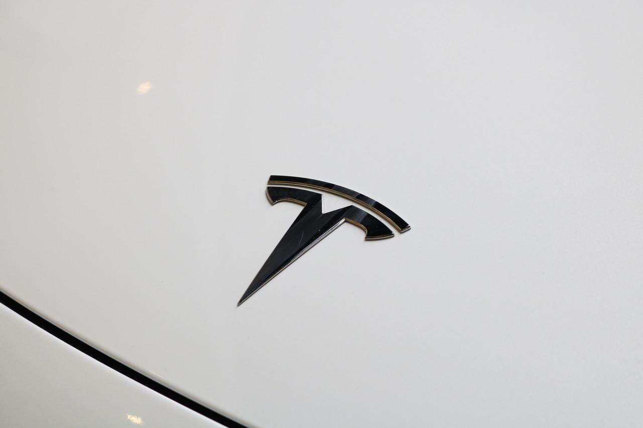 特斯拉德国电池工厂已获预批 具体细节仍是个谜