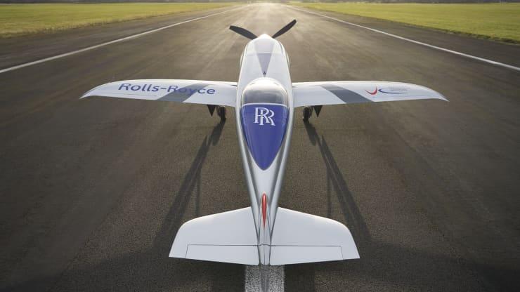 加速电气化!罗尔斯·罗伊斯全电动飞机初次试飞胜利  电动飞机 第2张